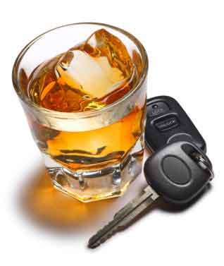 scotch on the rocks with car keys displayed | Drunk driving injury lawyer - Eisbrouch Marsh