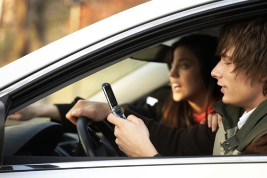 teens driving distracted while texting on cell phone | NJ/NY accident attorneys